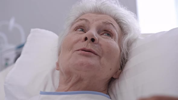 Old lady in Hospital Bed (Mrs. Horton)